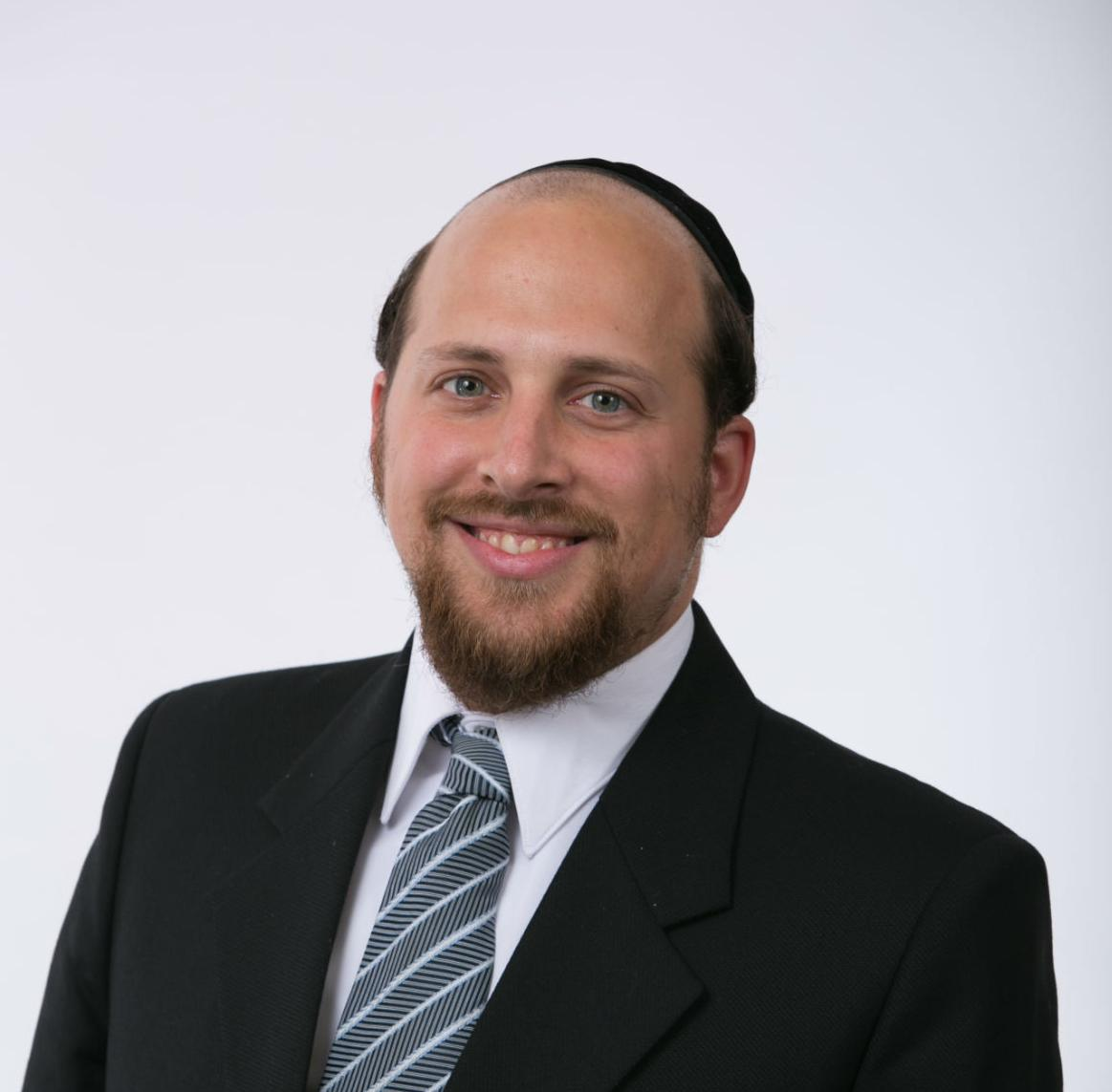 Shulem Rosenbaum, an alumnus of the Lander College of Arts and Sciences-Flatbush, was a winner of the 2014 Elijah Watt Sells award bestowed upon the nation's top scorers on the Uniform CPA examination.
